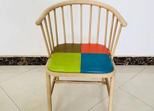 拼色仿木椅