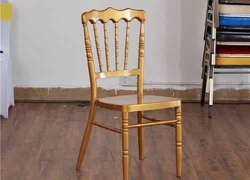 金色古堡椅